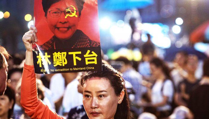 Bình luận viên chính trị: Bà Carrie Lam từ chức là sự lựa chọn không tệ.1