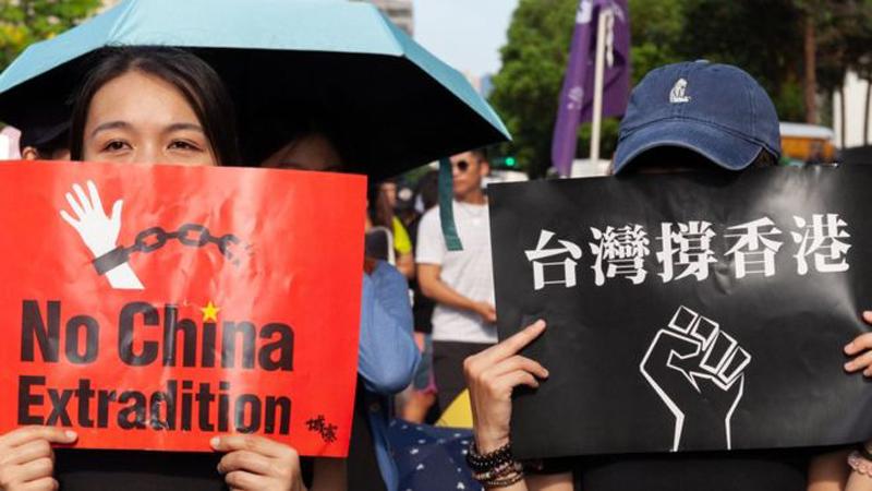 """""""Luật dẫn độ"""" chính là đòn sát thủ sau cùng để ĐCSTQ chiếm lấy Hồng Kông"""