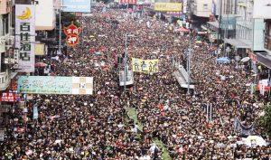 Hồng Kông: 2 triệu người xuống đường biểu tình đòi xóa bỏ dự luật dẫn độ