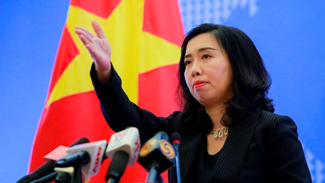 Ông Lý Hiển Long xin nghỉ phép 1 tuần sau phát ngôn gây tranh cãi.2