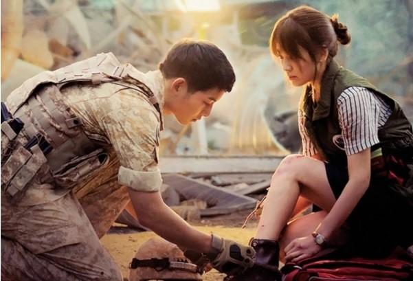 Hình ảnh của cặp đôi Song-Song trong bộ phim 'Hậu duệ Mặt trời'