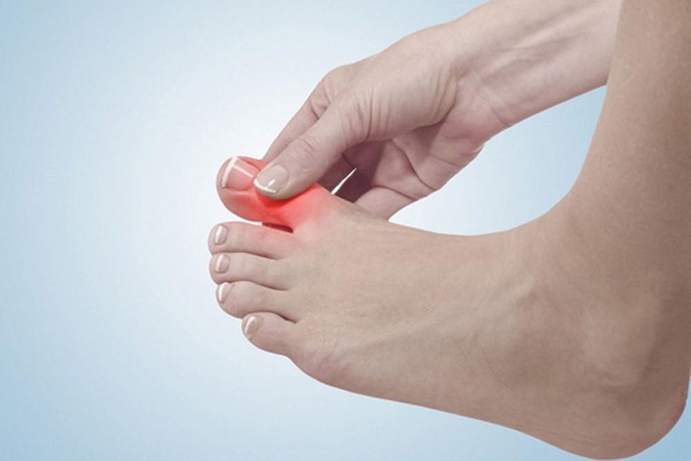 Các dấu hiệu ở đôi chân đều phản ánh tình trạng sức khoẻ mà bạn đang gặp. (Ảnh qua baomoi.com)