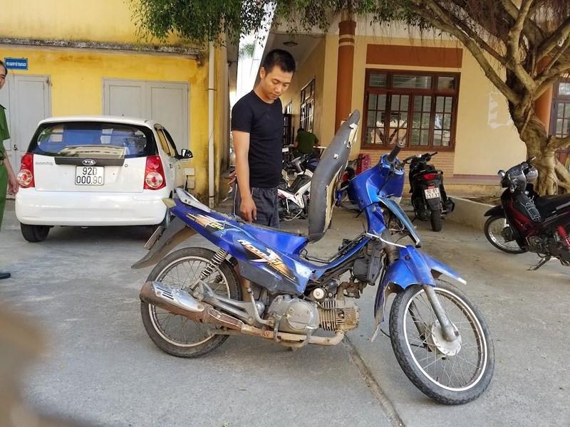Cộng đồng mạng góp tiền giúp bà bán ve chai bị cướp ở Quảng Nam. 5