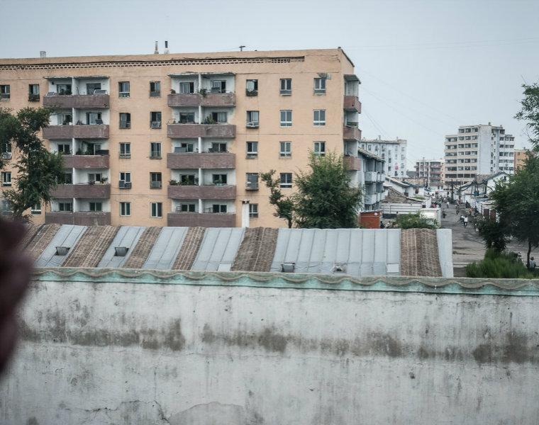 Thành phố Sinuiju ở Triều Tiên. (Ảnh: Michael Huniewicz)