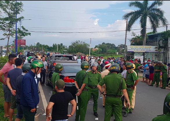 Nhóm giang hồ được ông Nguyễn Tấn Lương gọi đến vây xe công an ở Đồng Nai