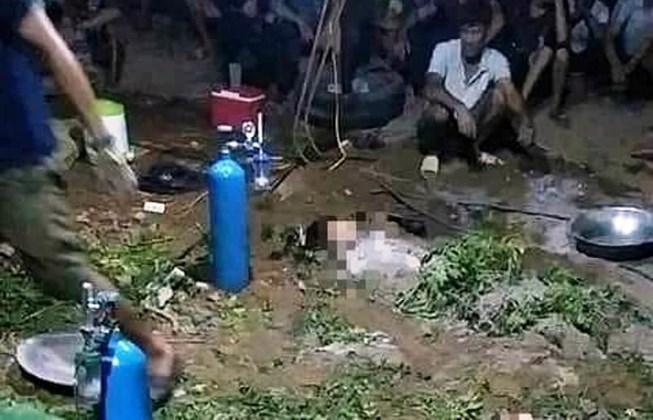 Người dân đã dùng phương pháp dân gian ủ lá cây và các y, bác sĩ đưa bình ô xy đến để tìm một hy vọng sống cho ba chị em
