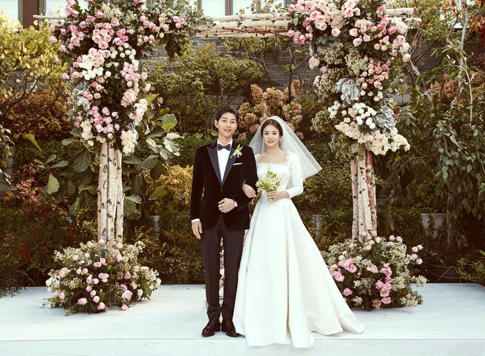 Cặp đôi Song - Song tại lễ cưới hồi tháng 10/2017