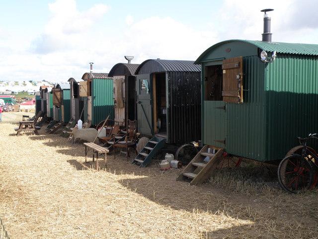 Một túp lều được phục hồi tại Petworth House, West Sussex. (Ảnh: Martin Vl. CC BY-SA 4.0)