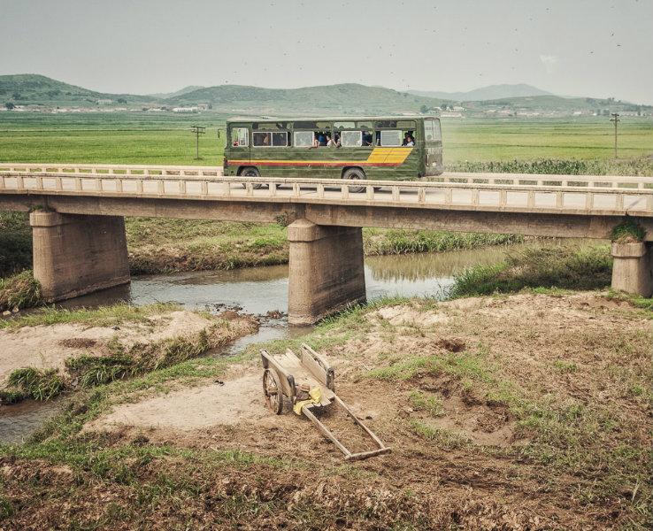 Một chuyến xe buýt. (Ảnh: Michael Huniewicz)