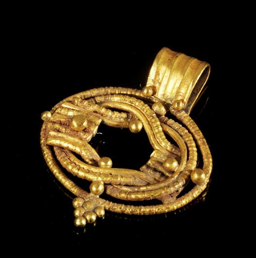 Trang sức bằng vàng - Món đồ thể hiện đẳng cấp của người La Mã cổ đại.2