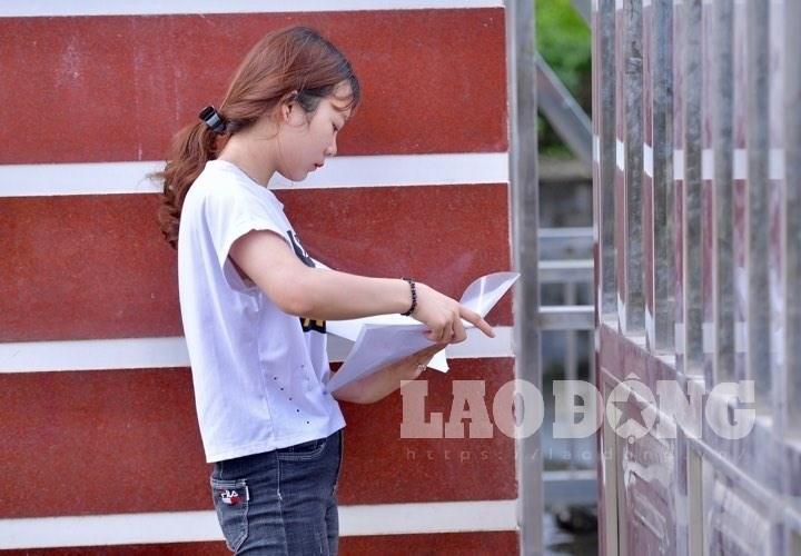 Thí sinh phải đứng ngoài tại điểm thi THPT chuyên Hà Giang do đến muộn