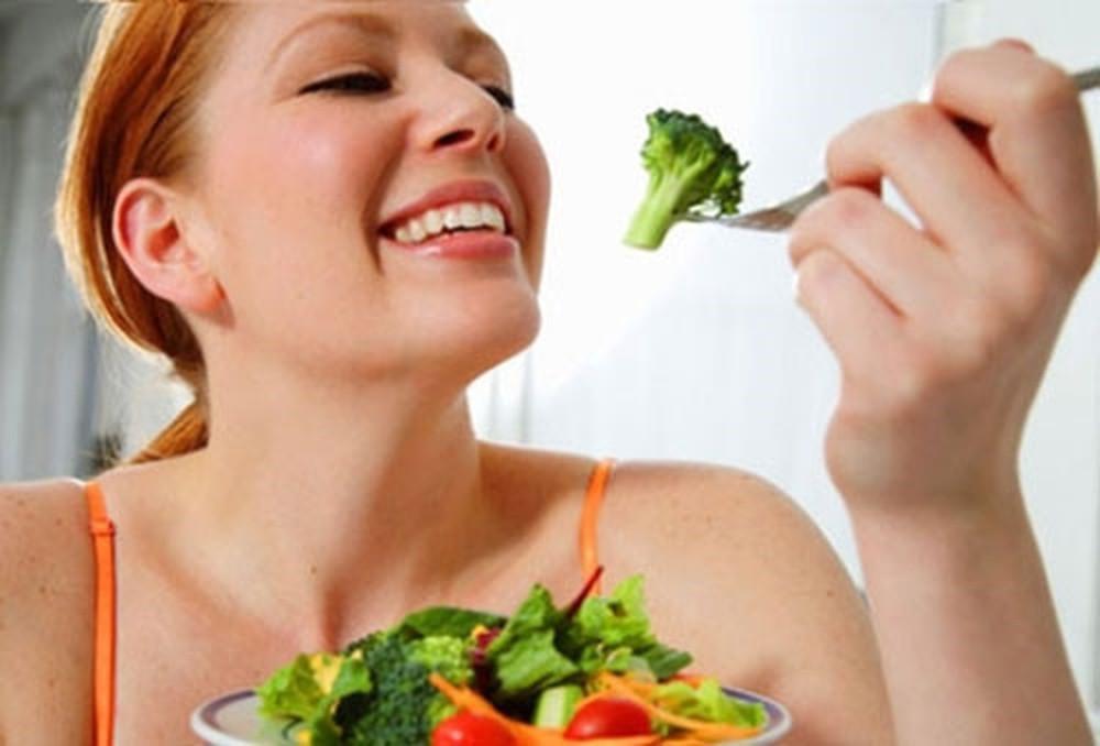 Súp lơ chứa nhiều chất xơ nên nó rất tốt trong việc giảm cân. (Ảnh qua baomoi.com)