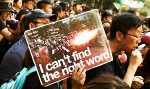 Thế giới liên tục đưa tin về biểu tình Hồng Kông, ĐCSTQ lại ra sức phong tỏa