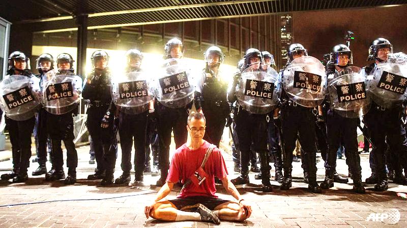 Cảnh sát Hong Kong ra quân đối phó với người biểu tình hôm 9/6
