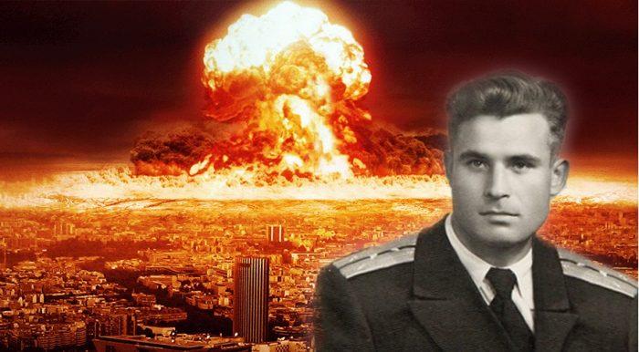 Chiến tranh thế giới thứ 3 suýt nổ ra nếu không có sự ngăn cản của 1 vị anh hùng thầm lặng!