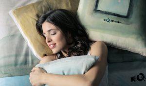 Phụ nữ sẽ tăng cân nếu có thói quen bật đèn ngủ?