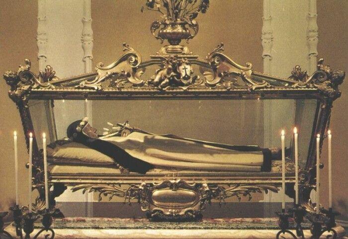 Thi hài thánh Teresa Margaret (1934 - 1770). (Ảnh qua Pinterest)