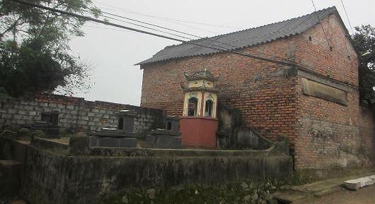 Ngôi làng 'nghĩa trang' ở Nghệ An - nơi người sống, người chết phải 'ở chung' với nhau - H6