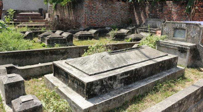 Ngôi làng 'nghĩa trang' ở Nghệ An - nơi người sống, người chết phải 'ở chung' với nhau - H2