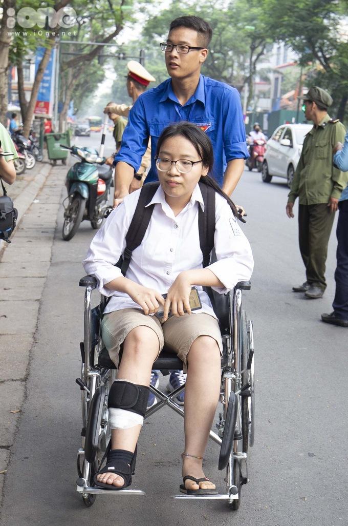 Tai nạ giao thông ngồi xe lăn.
