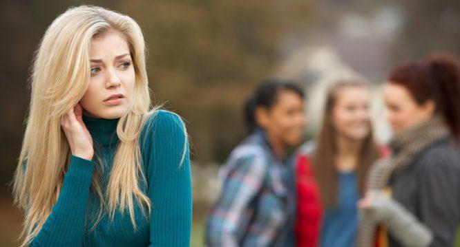 Dù là bạn bè thân thiết, nếu phạm 3 đại kỵ này thì tình cảm sẽ dần xa cách.2