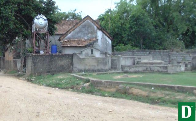 Ngôi làng 'nghĩa trang' ở Nghệ An - nơi người sống, người chết phải 'ở chung' với nhau - H3