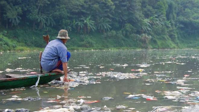 Báo động tình trạng thượng nguồn Trung Quốc gây ô nhiễm sông suối Việt Nam. 1