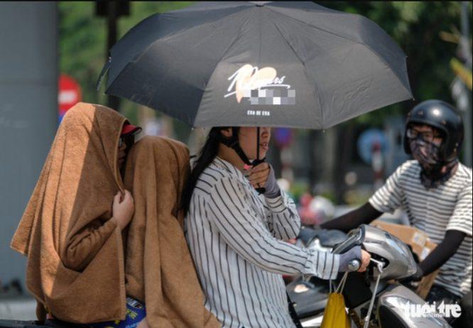 Hà Tĩnh đạt mức nóng kỷ lục Việt Nam từ trước đến nay: 43,4 độ C.2