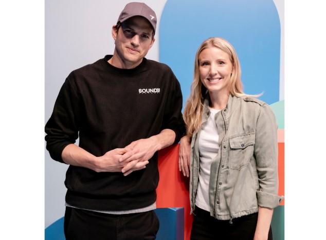 Kutcher và vợ cũ của mình Demi Moore