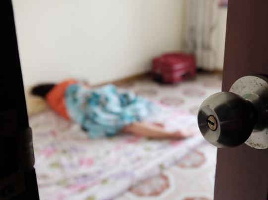 Người phụ nữ tốt bụng hàng ngày đi nhặt trẻ sơ sinh bị mẹ bỏ rơi về nuôi dưỡng - H4