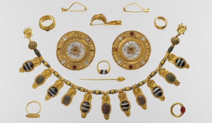 Trang sức bằng vàng - Món đồ thể hiện đẳng cấp của người La Mã cổ đại.1