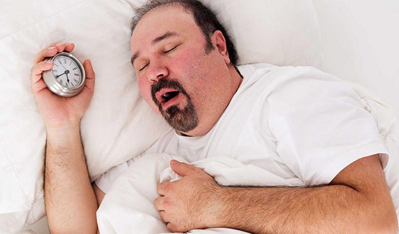 Một số thói quen khi vừa ngủ dậy, tưởng chừng vô hại nhưng lại có thể gây ảnh hưởng xấu cho sức khỏe.