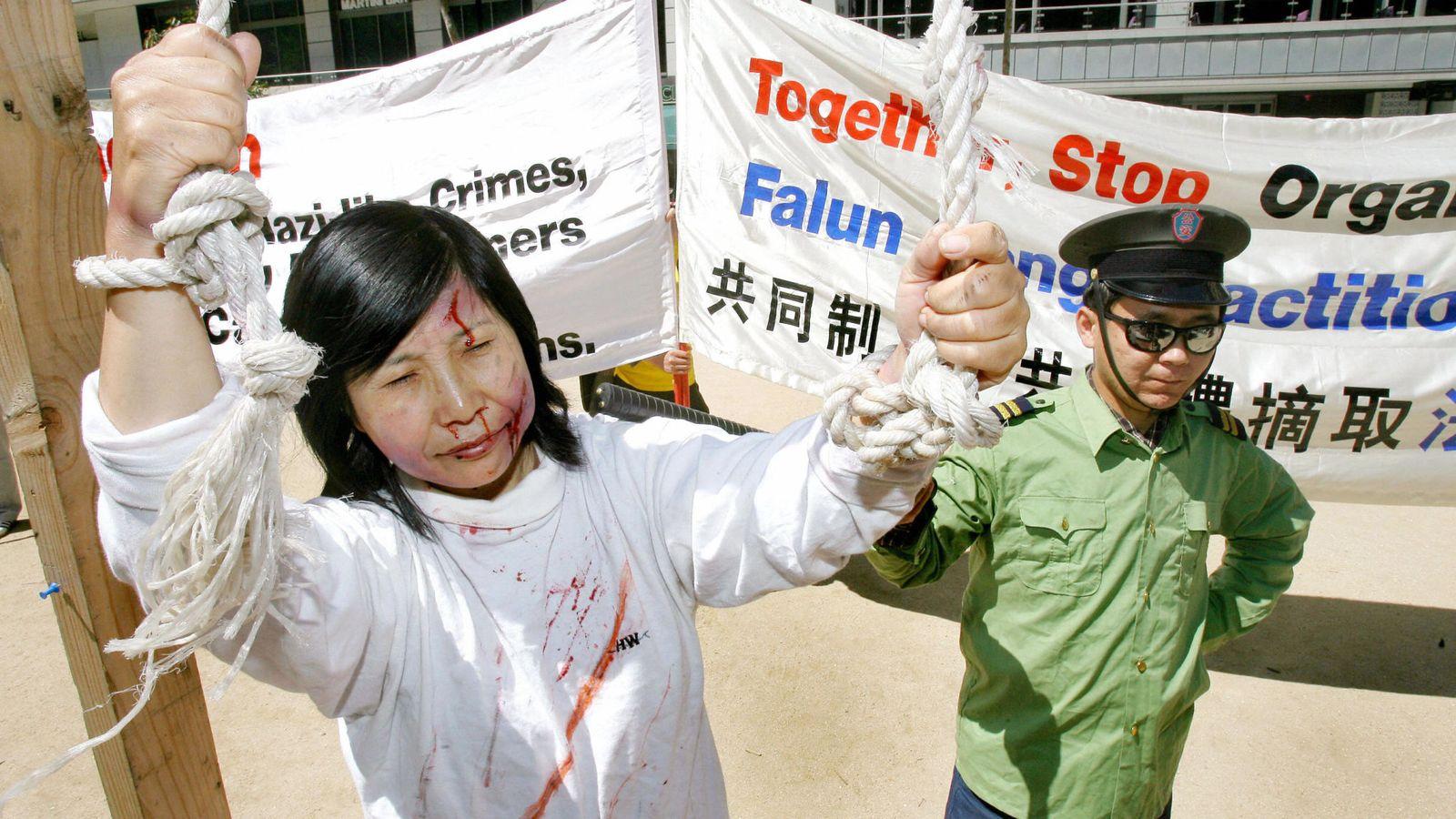 Những tù nhân ở Trung Quốc bị buộc kiểm tra máu và nội tạng. (Ảnh minh họa)