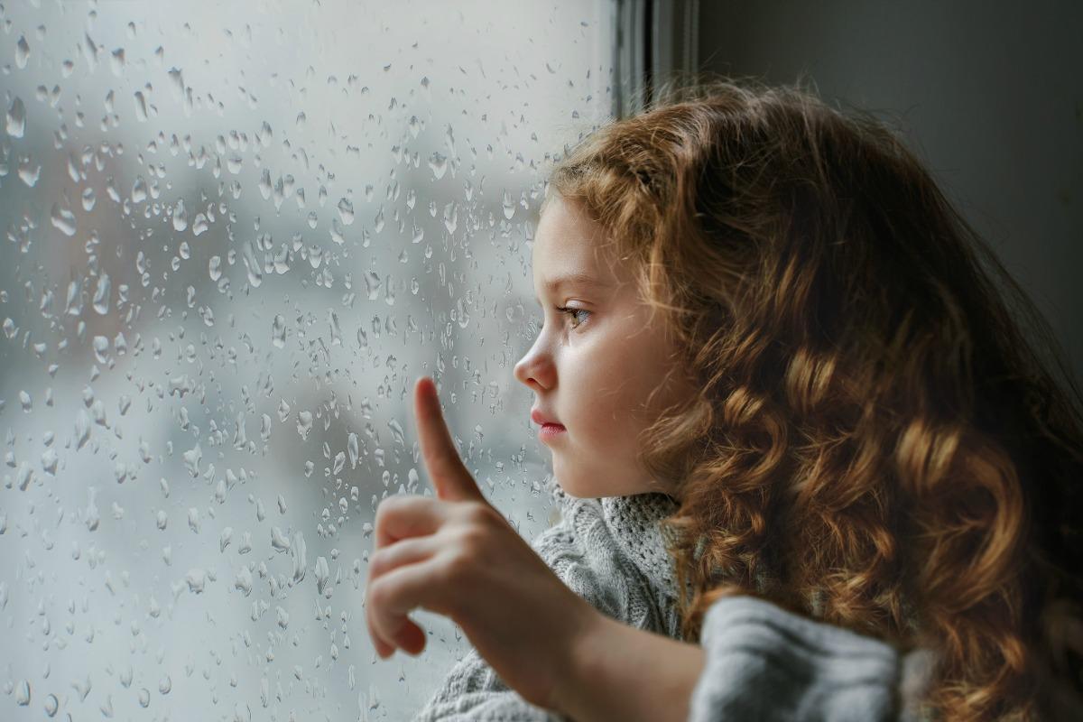 Lắng nghe tiếng mưa rơi có thể xoa dịu tâm hồn. (Ảnh qua Город Каменское)