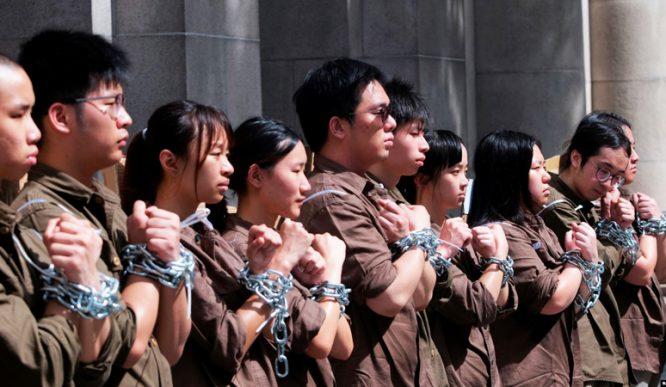 Chính phủ Hồng Không từ chối rút lại dự luật, khiến không ít giới trẻ Hồng Kông cảm thấy tuyệt vọng với hiện trạng của xã hội.