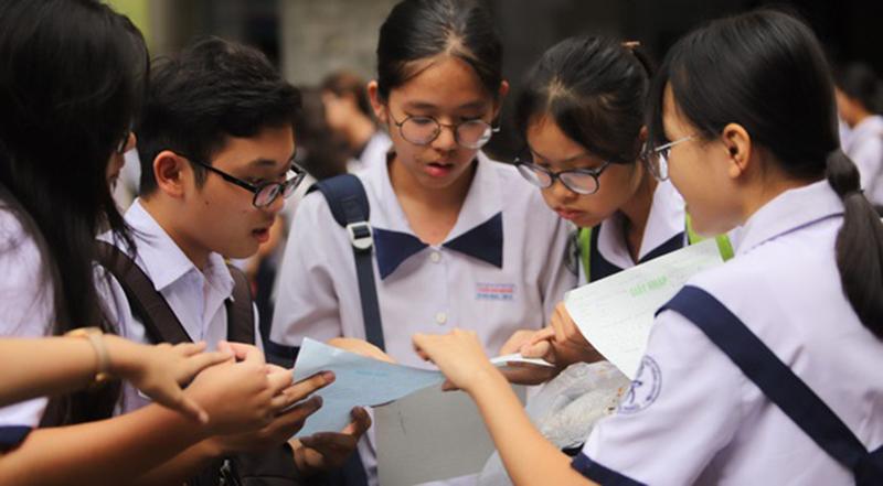 Học sinh dự thi vào lớp 10 ở TP.HCM năm 2019 .h1