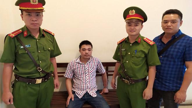 Đối tượng Nguyễn Đức Tuân bị tổ công tác của CAP Hàng Trống bắt giữ