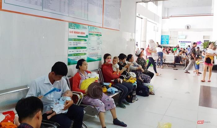 Dù đã kiểm tra lại toa thuốc sau khi in nhưng bs không phát hiện thuốc Halofar 2mg nên đã giao cho người nhà bệnh nhân.