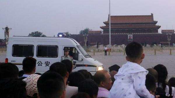 Kỷ niệm ngày Lục Tứ, Thiên An Môn canh phòng nghiêm mật, ký giả không được phép bước vào - H2