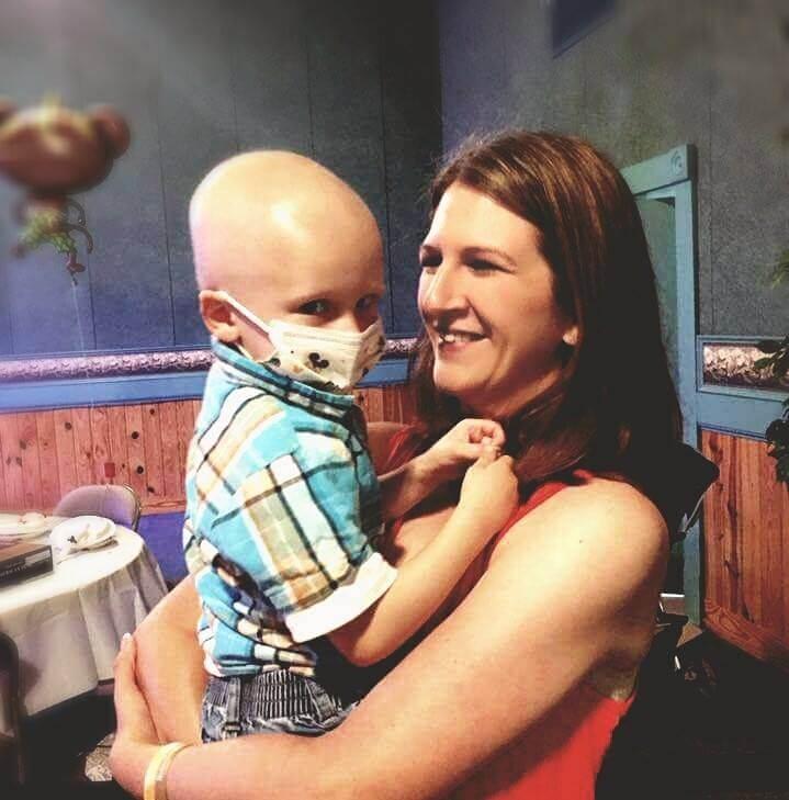 Trong những ngày cuối cùng, Nolan chỉ muốn có mẹ ở bên cạnh.
