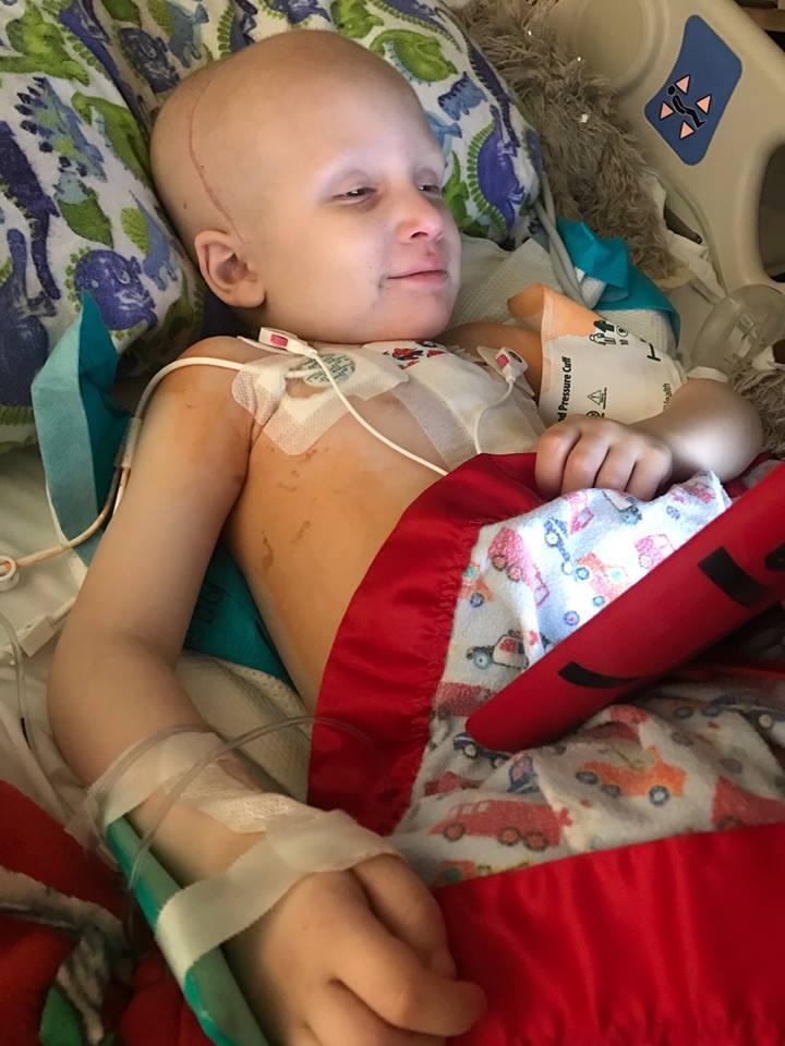 Nolan chiến đấu với bệnh ung thư