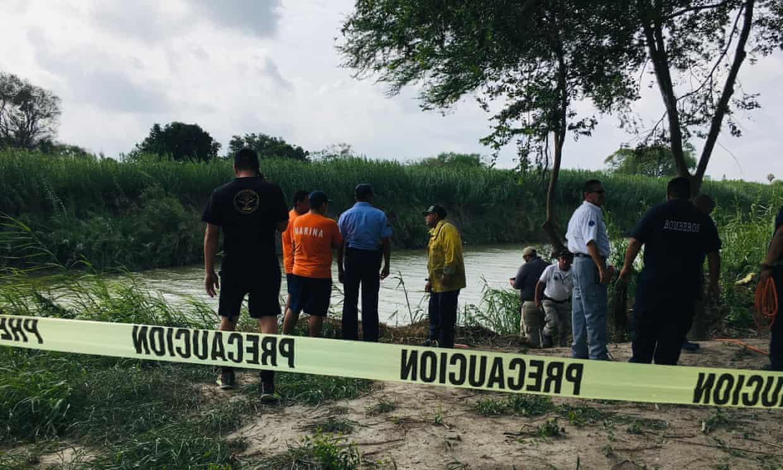 Cảnh sát Mexico phong tỏa hiện trường nơi bố con người di cư chết đuối trên sông Rio Grande
