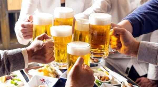 Chính thức cấm uống rượu, bia khi lái xe từ ngày 1/1/2020. (Ảnh qua tinmoi)