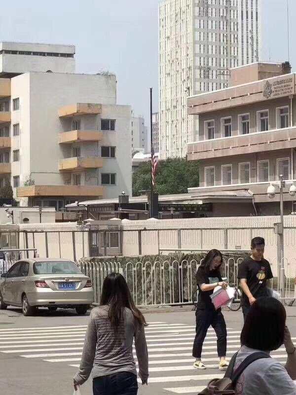 Kỷ niệm ngày Lục Tứ, Thiên An Môn canh phòng nghiêm mật, ký giả không được phép bước vào - H4