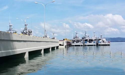 Khu vực cầu cảng thuộc căn cứ Ream.