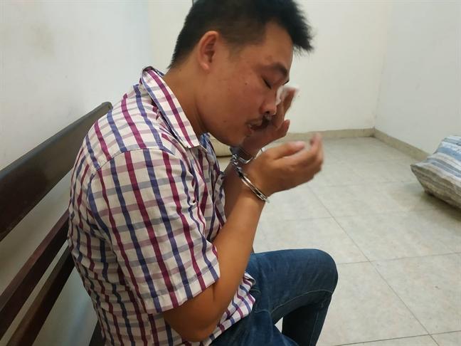 Nguyễn Văn Tuân khóc khi kể về cuộc đời của mình