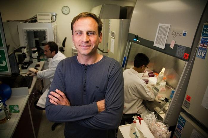 Tiến si Alexey V. Terskikh, người đi đầu quá trình đột phá tăng trưởng tóc bằng tế bào gốc. (Ảnh: Daily Mail)