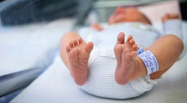 Khác với người lớn, cơ thể trẻ nhỏ còn non yếu, hệ thần kinh và các hệ cơ quan khác chưa phát triển toàn diện