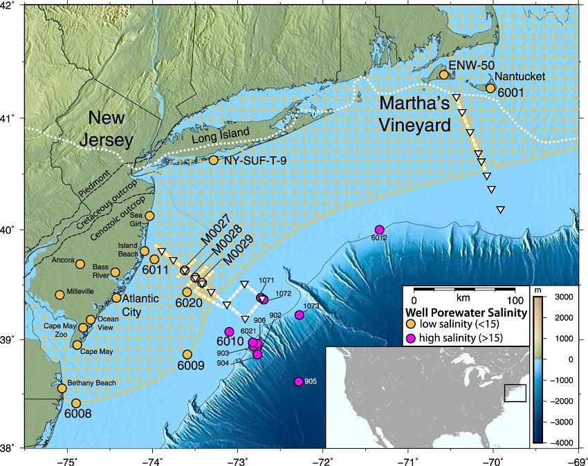 Vùng chấm vàng được cho là vùng nước ngọt khổng lồ trải dài hàng trăm km. (Ảnh Livescience)