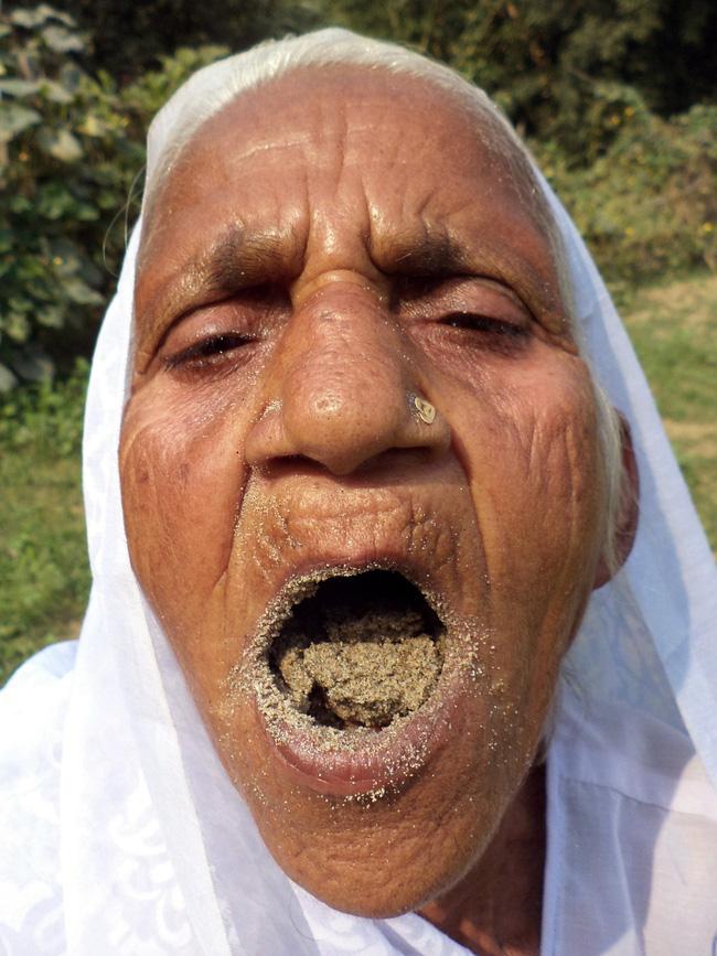 Bà Vati tuyên bố, bà chưa bao giờ cảm thấy bị bệnh vì thói quen ăn uống này.